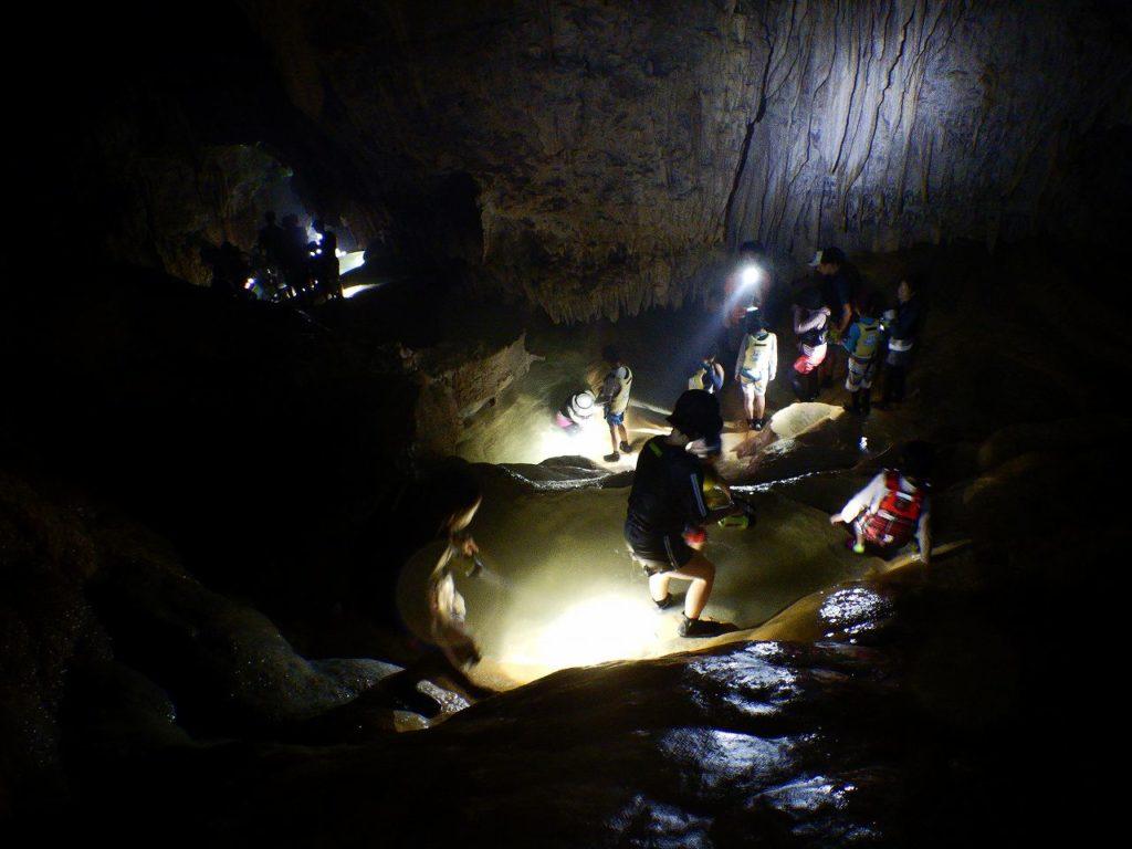 パンプキン鍾乳洞の探検